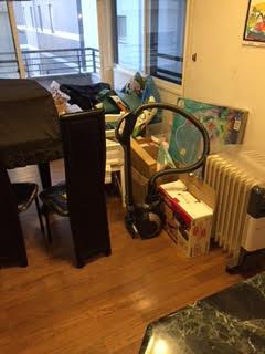 掃除機、オイルヒーター、パネルヒーター、椅子、ダイニングチェア、毛布、ポスター、空ダンボール箱、カバン、衣類回収処分
