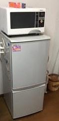 冷蔵庫、電子レンジ、液晶テレビ、スチールラック回収処分。